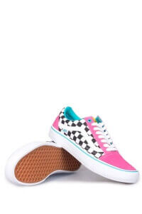 Vans-Syndicate-x-Golf-Wang-Old-Skool-Blue-Pink-White-02