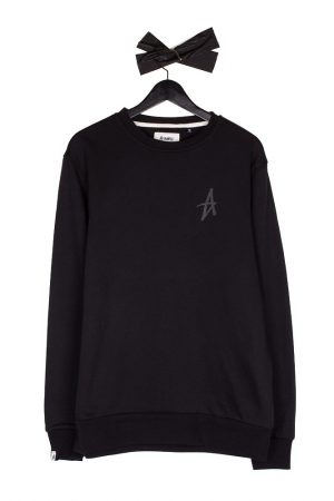 altamont-icon-crewneck-black-black-01
