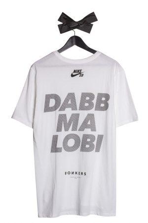 nike-sb-bonkers-dabb-ma-lobi-t-shirt-weiss-01