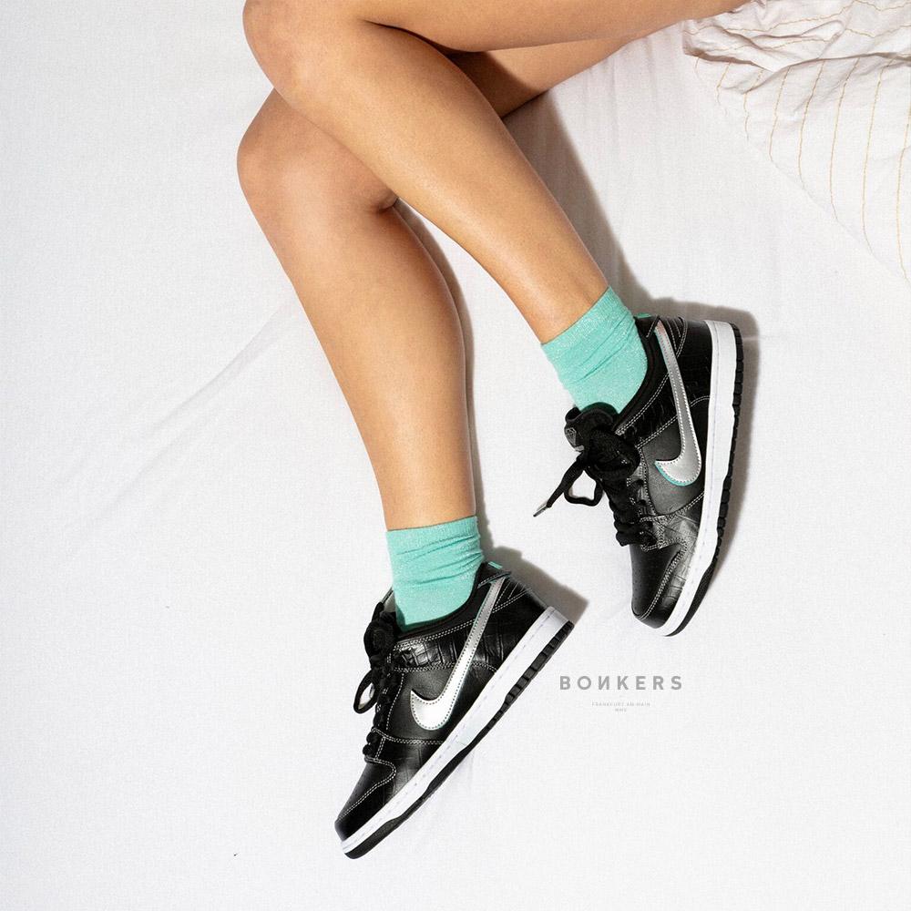 buy popular d4c7b 9c590 Nike SB X Diamond Supply Co. (The Diamond Dunks) - Bonkers