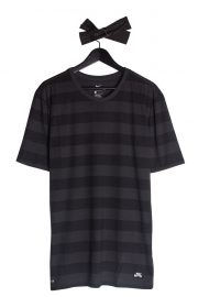nike-sb-dry-t-shirt-anthracite-black-01