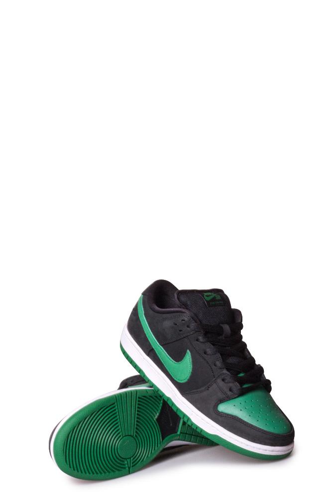 low priced e4061 b05cf Nike SB Dunk Low Pro Shoe Black/Pine Green/Black/White