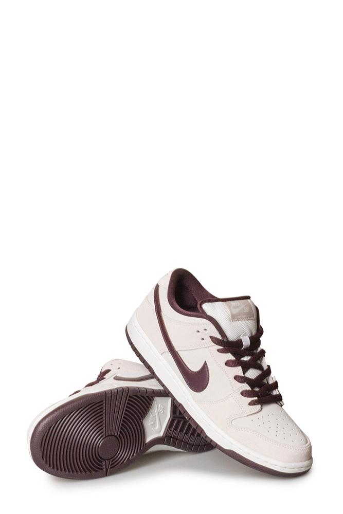 factory authentic 2c4d1 083be Nike SB Dunk Low Pro Shoe Desert Sand/Mahogany