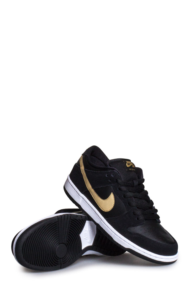 official photos ae8ae 34a6b Nike SB Dunk Low Pro Shoe (Takashi Hosokawa) Black Metallic Gold White