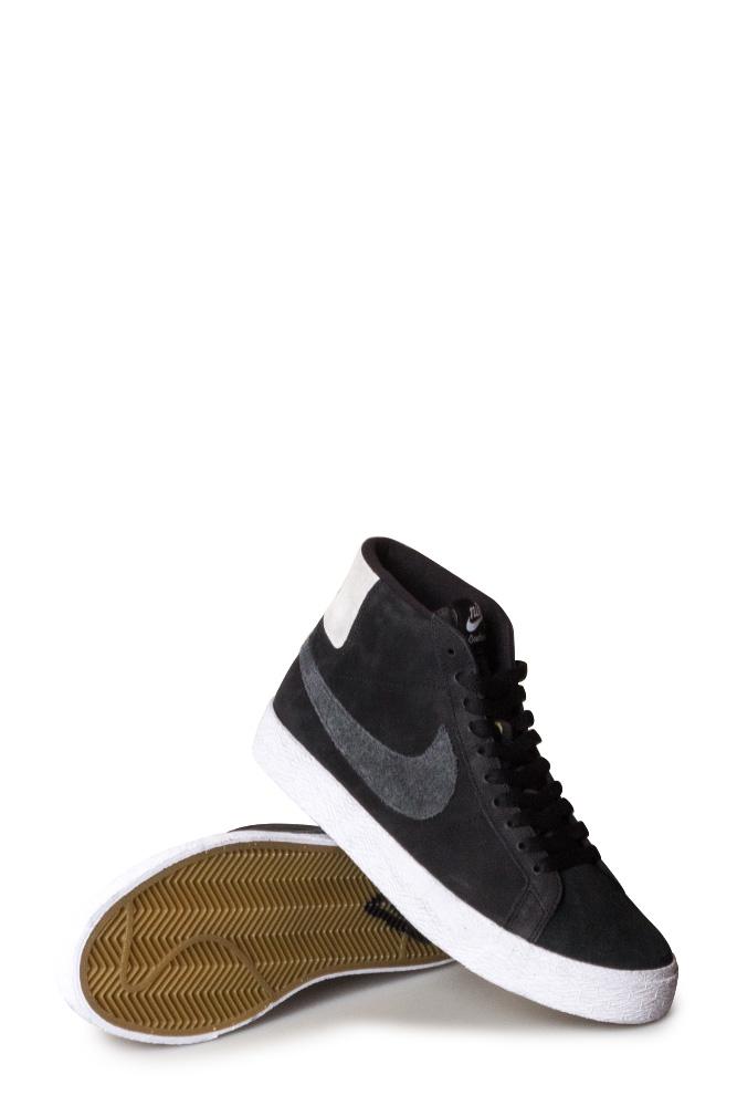 quality design 02cd3 3fc06 Nike SB X Gnarhunters Zoom Blazer Mid QS Shoe (Elissa Steamer)  Black/Black/White/White