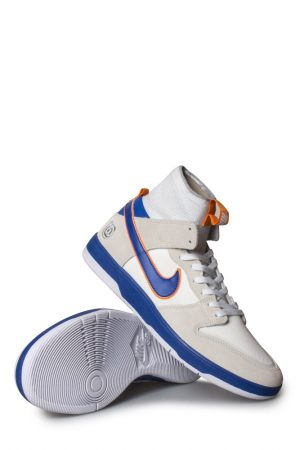 online retailer 2304b 32601 Nike SB X Medicom Toy Zoom Dunk High Elite QS (Be rbrick) Shoe White College  Blue White