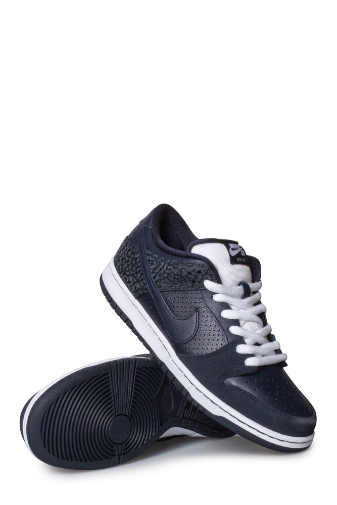 check out e22c4 e2004 Nike SB X Murasaki Dunk Low TRD QS Shoe Dark Obsidian - Bonkers