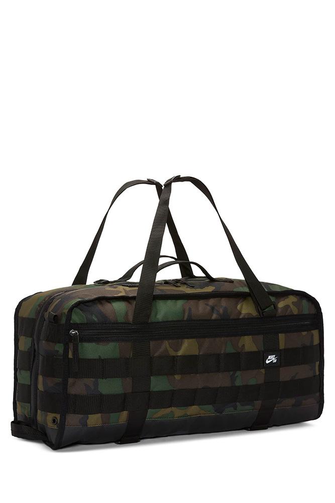nike-sb-prm-duffle-bag-camouflage-black-01