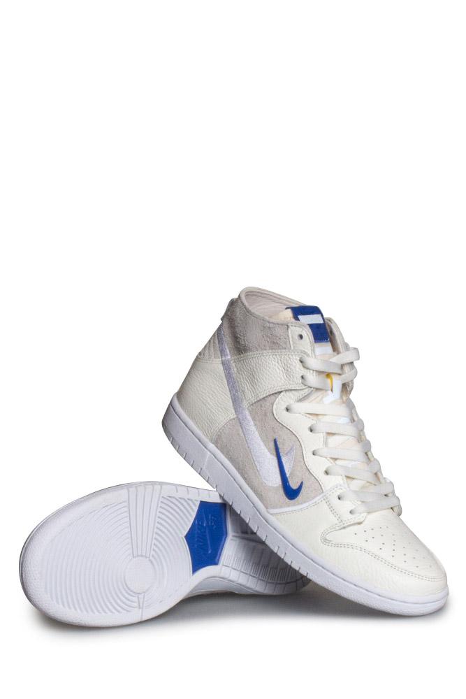 new product 4c5d1 7221e Nike SB X Soulland Zoom Dunk High Pro QS Shoe Sail Game Royal White