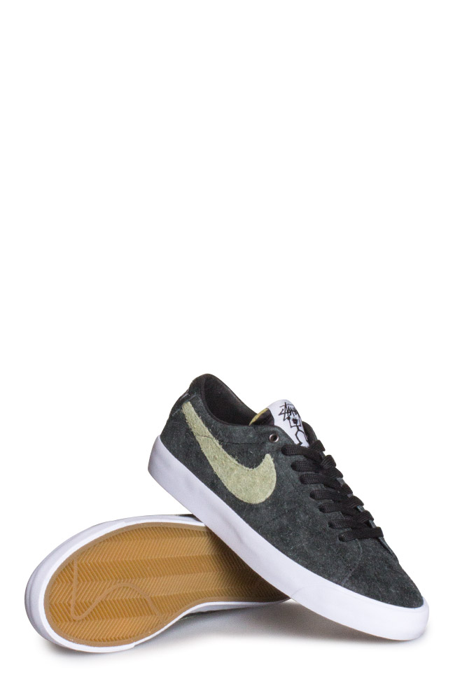 best service bd1cb 29643 Nike SB X Stussy Zoom Blazer Low QS Shoe Black/Palm Green ...