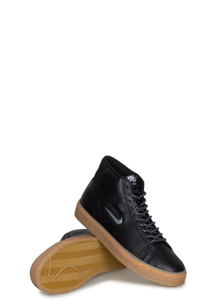 nike-sb-zoom-blazer-mid-prm-shoe-black-white-black-01