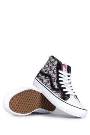 vans-coors-light-sk8-hi-reissue-pro-black-white-01