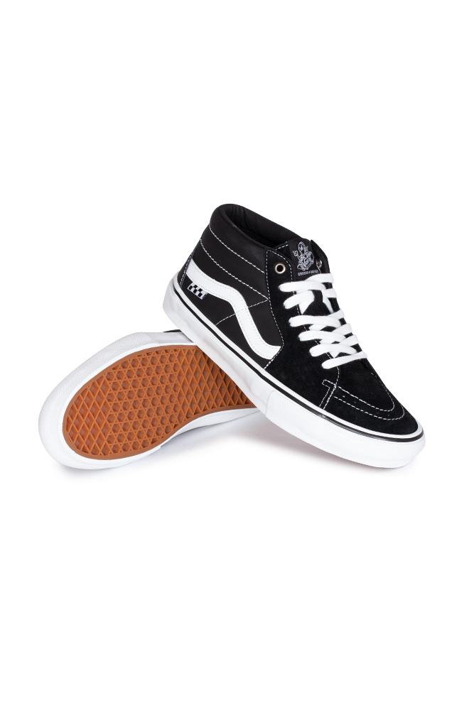 vans-grosso-mid-skate-shoe-black-white-emo-leather-01