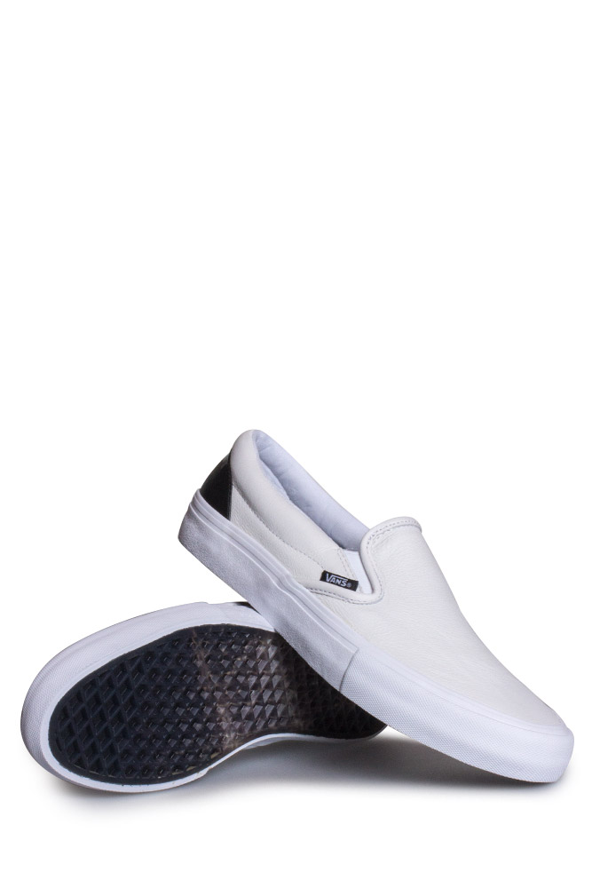 vans-octagon-slip-pro-shoe-true-white-black-01