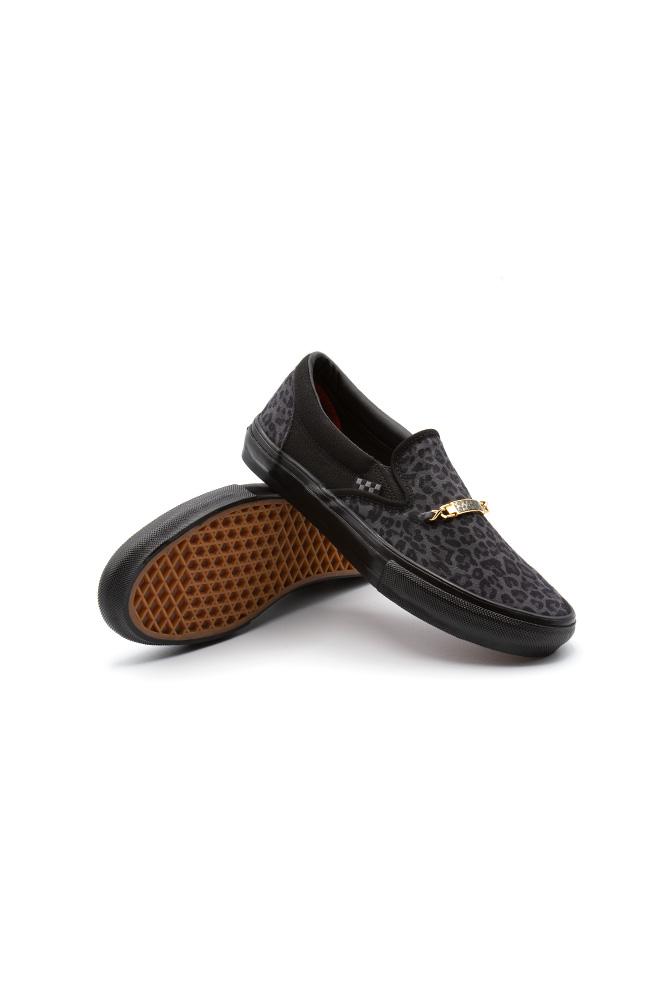 vans-slip-on-skate-shoe-cher-strawberry-cheetah-01