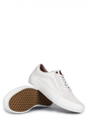 vans-x-pass-port-old-skool-pro-white-01